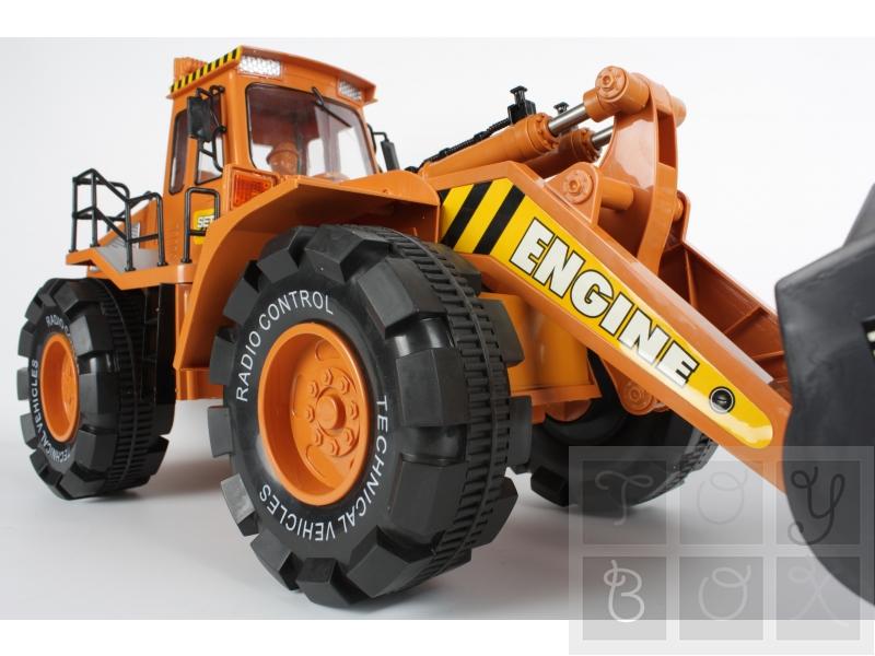 http://www.toybox.ro/wp-content/uploads/2010/09/Buldozer-4x4-GABARIT-DEPASIT-Scara-16-Model-A037.jpg