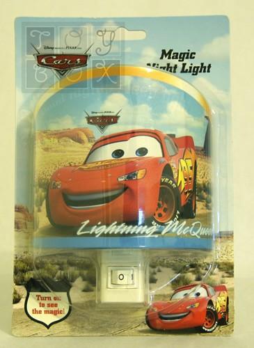 https://www.toybox.ro/wp-content/uploads/2010/09/lampa-de-veghe-fulgerica-personaj-din-cars.jpg
