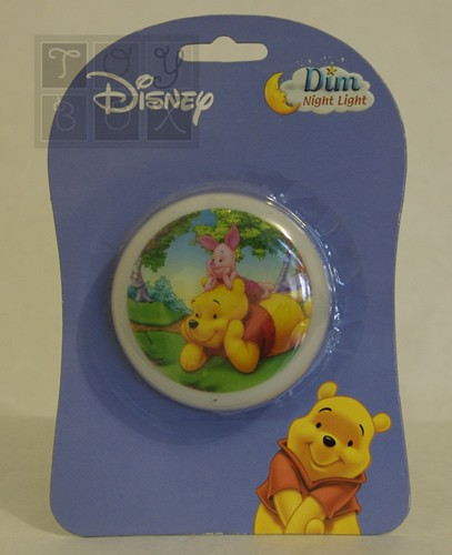 https://www.toybox.ro/wp-content/uploads/2010/09/lampa-de-veghe-pooh-1-300x300.jpg